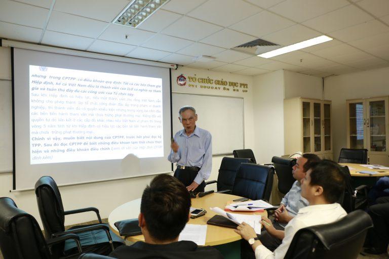 """Chuyên gia Trương Đình Tuyển trong chương trình Small Talk """"Thách thức & Cơ hội của doanh nghiệp Việt Nam trong TPP, CPTPP"""